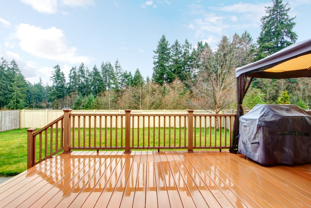 Deck and Fence Contractor in Barrie Ontario Quality and Experience
